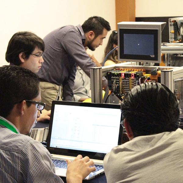 Consultoría profesional en automatización en México. Nojoxten tu mejor aliado en automatización.